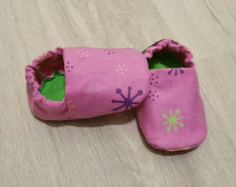 Baby Booties, Baby Gifts, Baby Slippers, Baby Crib Shoes, Baby Moccs, Baby Shoes, Baby Accessories, Baby Booties, Baby Slippers, Pink, Green
