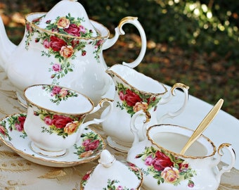 Royal Albert Old Country Roses tea set for two with teapot