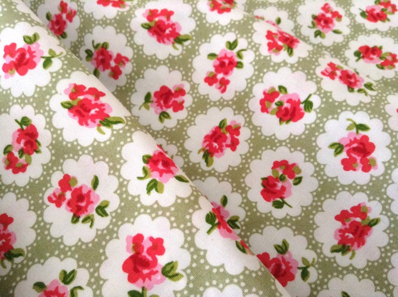 TROPICAL FLOWERS COTTON LINEN LOOK 150 CM WIDE FABRICS MATERIAL COVERS CURTAINS