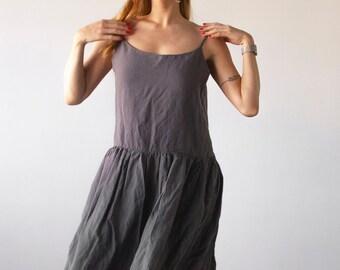 LINEN DRESSES & TUNICS