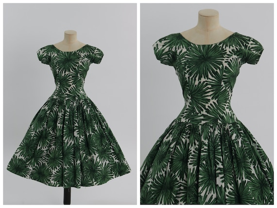 Vintage 1950s original green floral print cotton d