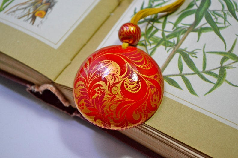 Hand painted Pendant Wooden Necklace  Russian folk style Khokhloma painting.Made to order.