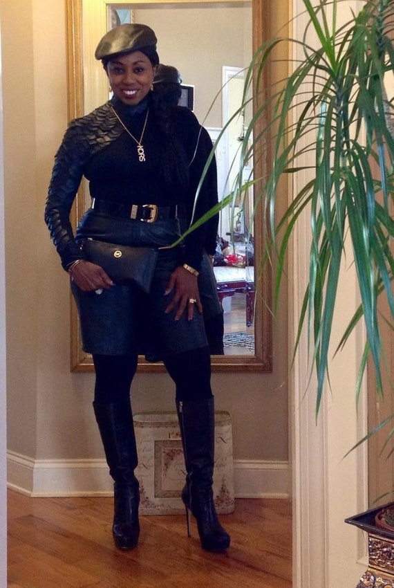 Black leather shorts - image 8