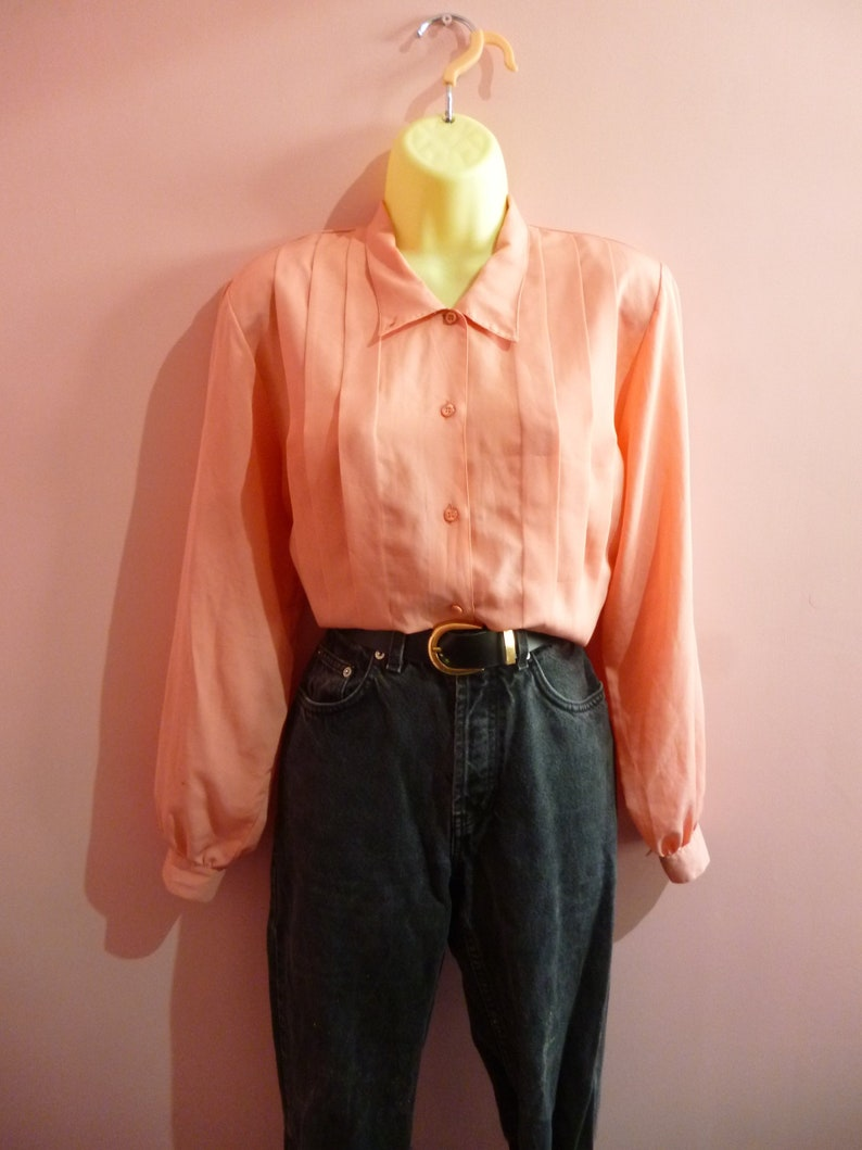 Vintage 1980s Peach Shell Pink Pleat Front Blouse Formal Work Office Shirt Top Coral Size 12 M
