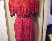 Vintage Red Print Dress Lined, Silk . black trim M L 3374