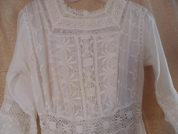 """Antique White Cotton Lace Dress, Bust 32""""   #9182 - image 2"""