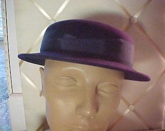 """1940s  Dark Blue Felt Hat, Grograin Ribbon around crown.  Size 22 1/2"""""""