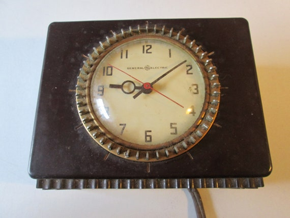 Old General Electric Kitchen Clock - Working but Needs to be Rewired