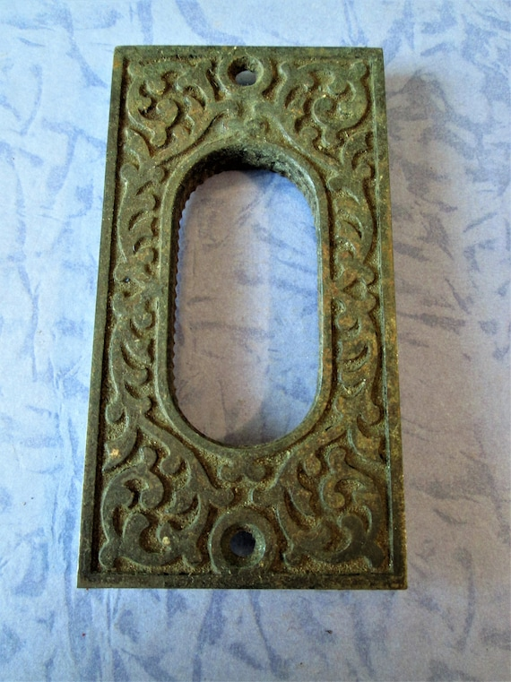 "1 Antique Heavy Cast Metal Furniture Ornament 3 3/4"" x 2"" for your Projects -"
