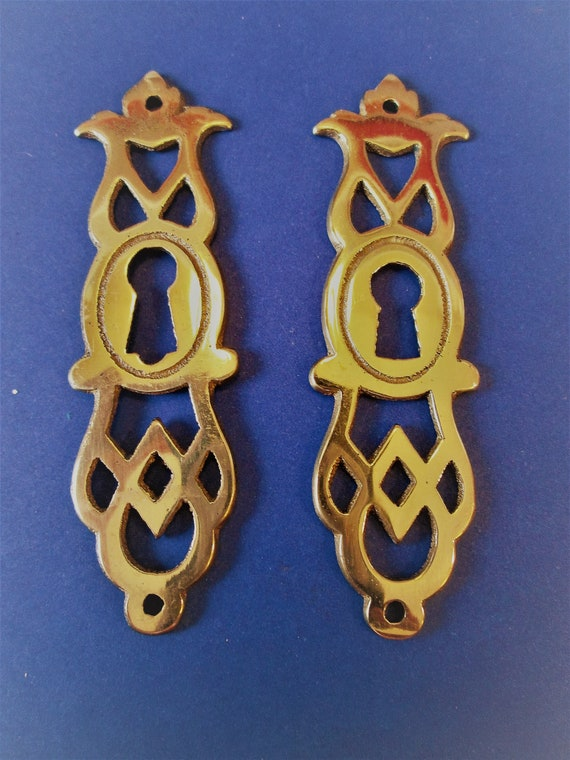"2  Vintage Thick Solid Brass Fancy Furniture Door Key Hole Ornaments 3"" Tall"