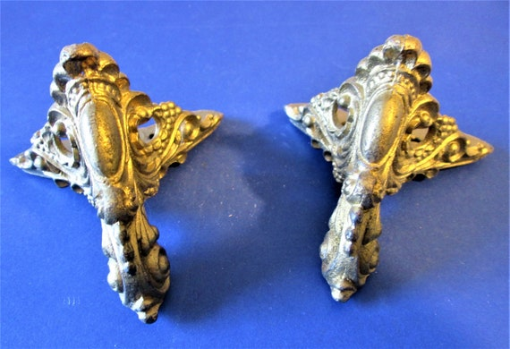 1 Set of Vintage Brass Color Painted Cast Metal Mantel Clock Front Feet Stk# 422