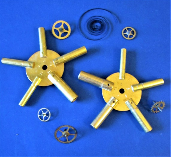 New Shiny Solid Brass Even and Odd Sized Universal Clock Key Set
