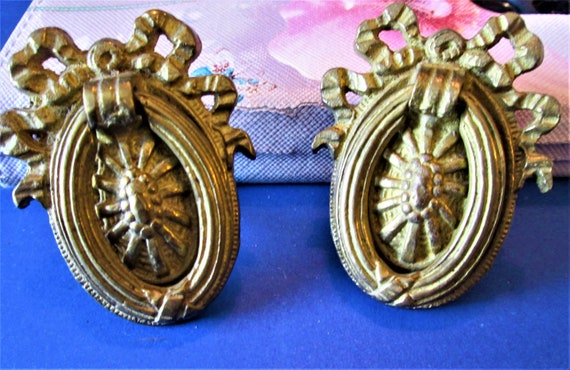 2 Nice Vintage Cast Brass Furniture/Cabinet Drawer Pulls for your Furniture Projects - Art  Stk# F45