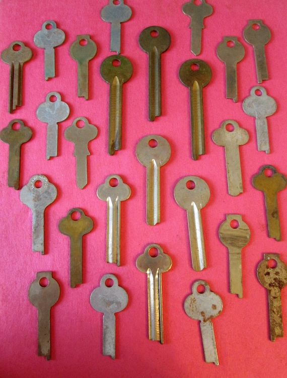 26 Vintage Solid Brass and Steel Key Blacks for your Projects - Steampunk Art and etc...