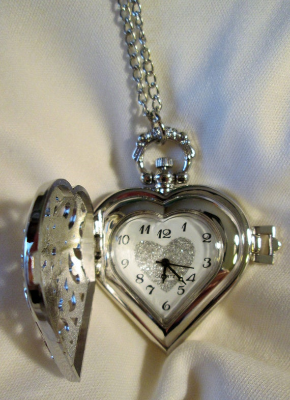 """New Beautiful Antique Victorian Style Heart Shaped Silver Plated Reproduction Ladies Pocket Watch Pendant With 30"""" Chain."""