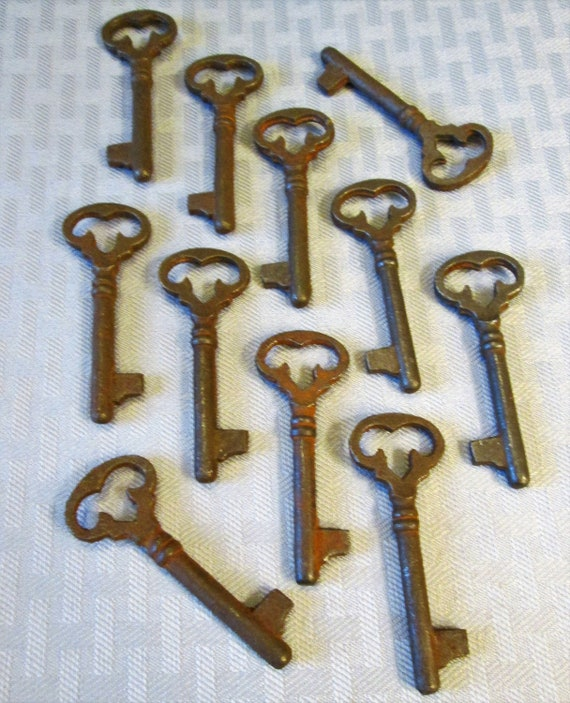 "Set of 11 New 3"" Fancy Rusty Antique Style Cast Metal Reproduction Furniture and Door Keys K1019"