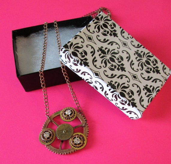 """1 New Steampunk Art Design Cast Metal Clock Parts Design Necklace with 22"""" Adjustable Chain - Great Gift Idea"""