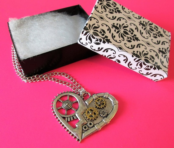 """1 New Steampunk Art Design Cast Metal Clock Parts & Heart Necklace with 22"""" Adjustable Chain"""