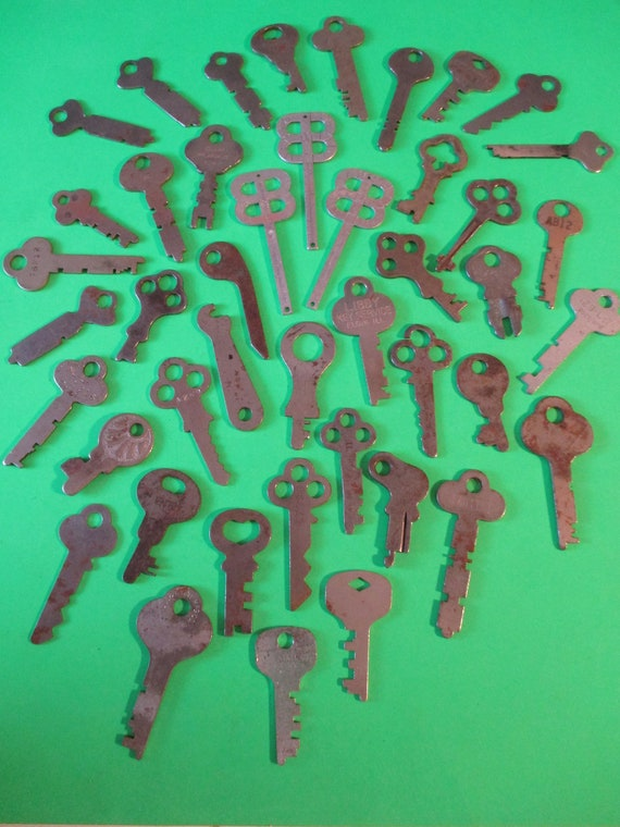 44 Assorted Antique & Vintage Steel Keys for your Collections - Steampunk Art - Stk# K85