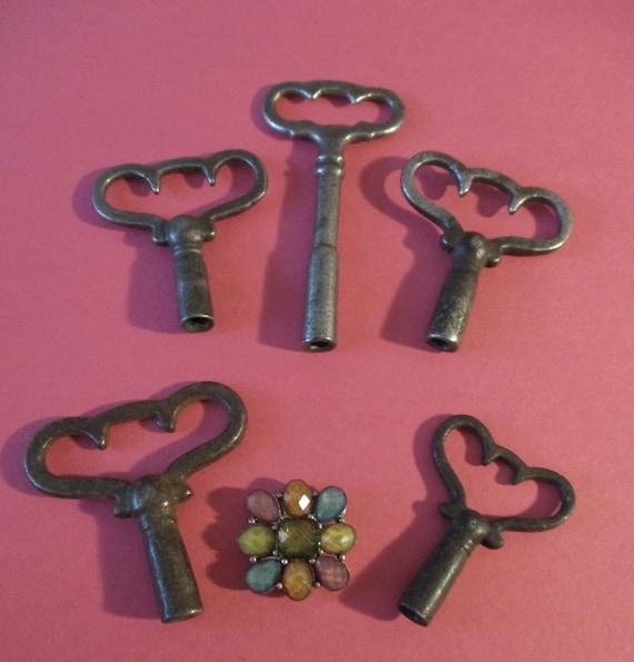 5 Assorted Vintage Fancy Steel Clock Keys for your Clock Projects - Art - Jewelry Making Stk# K94