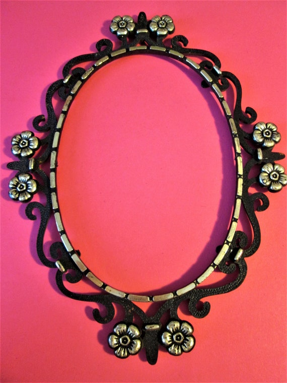 Nice Vintage Black and Gold Thick Plastic Oval Clock/Mirror/Picture Frame for your Projects