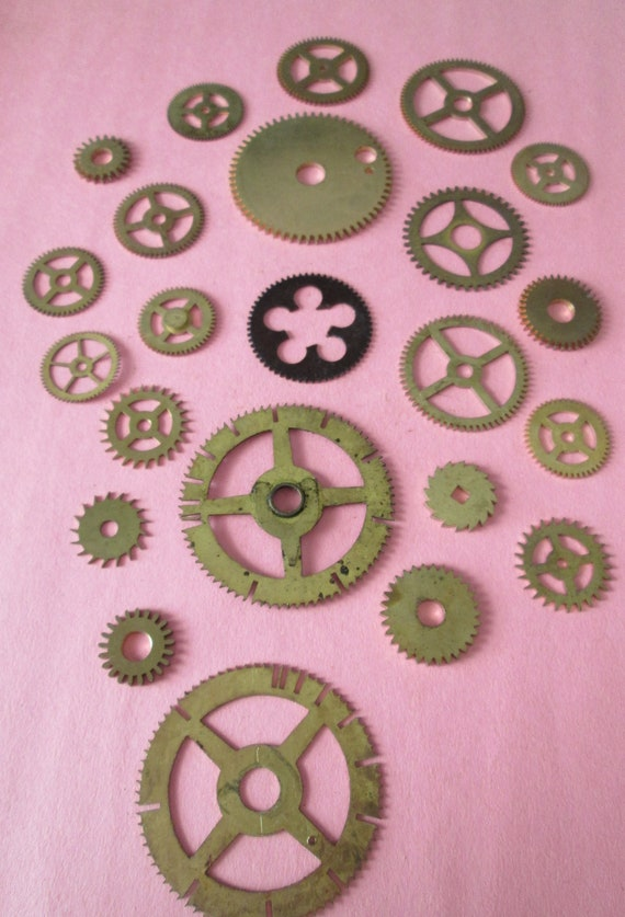 22 Assorted Antique Solid Brass Clock Wheels for your Clock Projects - Steampunk Art - Jewelry Crafts