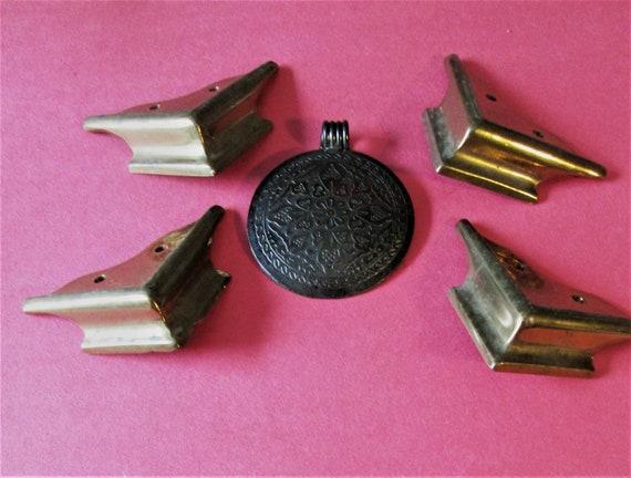Set of 4 Vintage Cast Brass Plain Design Mantle Clock Feet for your Clock Projects - Art - Stk# 725