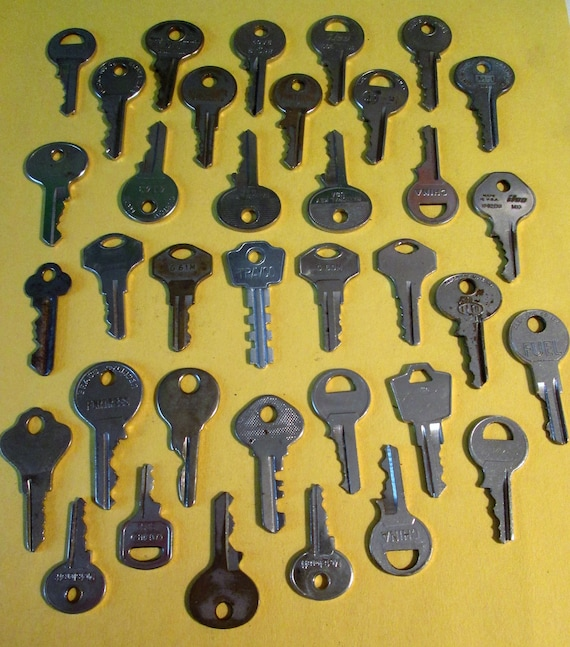 36 Assorted Vintage Keys Many Different Brands - Fancy and Plain - for your Steampunk Art, Crafts - Jewelry Making