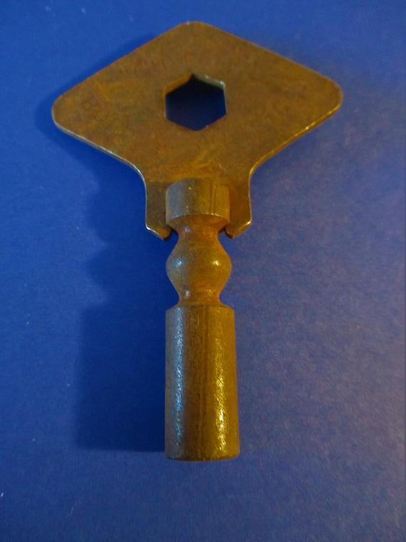 Size 11 (5.00) Vintage Rusty Steel Clock Key for your Clock Projects - Art Stk# K04