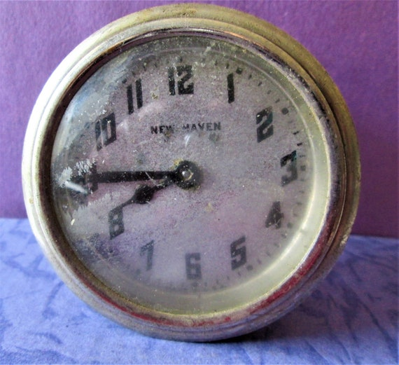 "Small 2 1/2"" Vintage New Haven Partial Clock for your Clock Projects - Steampunk Art  Stk# 521"