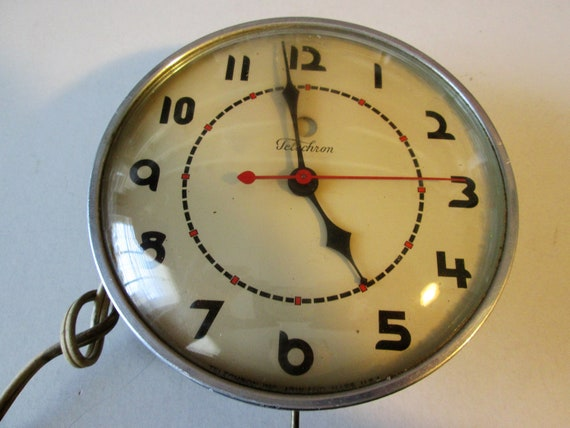 """Working Vintage 5 1/4"""" Electric Telechrom Wall Clock - Domed Glass"""