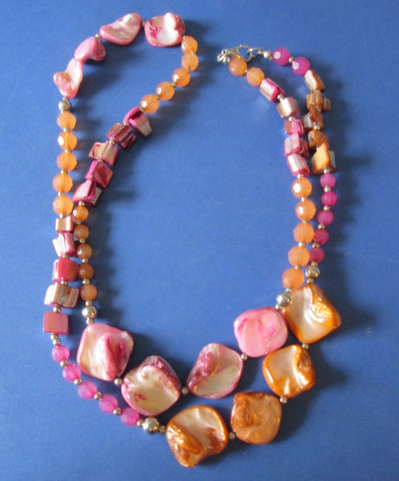 "Vintage 32"" Hand Made Polished Stone and Glass Beaded Necklace"