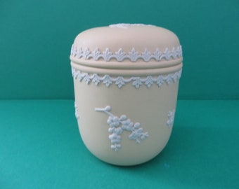 Wedgwood vintage 1970's Primrose yellow lidded pot