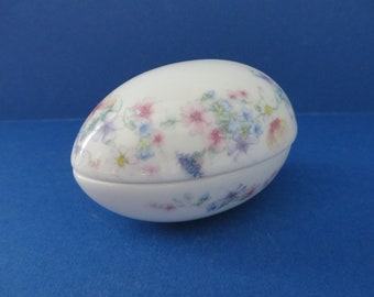 Wedgwood Vintage 1980's Angela Bone China Egg