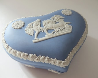 Wedgwood Jasperware vintage pale blue 1970's trinket box