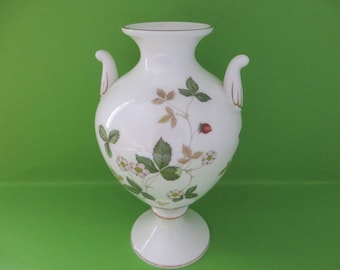 Wedgwood vintage 1960's Wild Strawberry large Urn vase