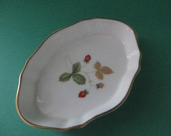 Wedgwood vintage 1960's Wild Strawberry pin dish