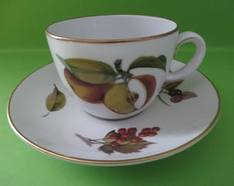 Royal Worcester Evesham vintage 1960's tea cup and saucer