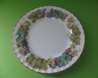 Royal Worcester vintage 1980's Vine Harvest dessert plate