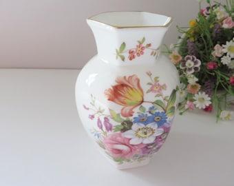 Aynsley vintage 1980's Howard Sprays vase