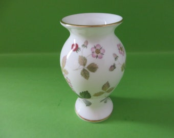 Wedgwood vintage 1960's small Wild Strawberry posy vase