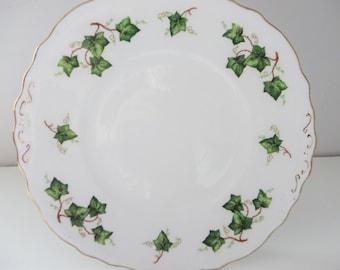 Colclough vintage 1960's Ivy leaf cake plate