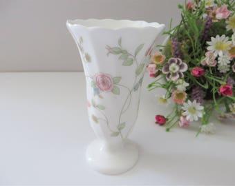 Wedgwood vintage 1990's Rosehip vase