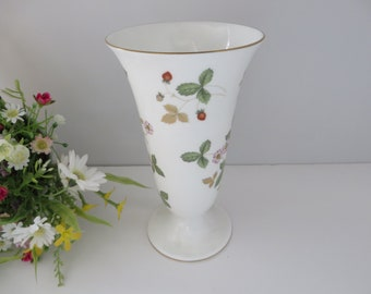 Wedgwood  vintage 1980's Wild Strawberry vase