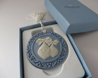 Wedgwood Jasperware blue  vintage 1990's Christmas bauble tree decoration