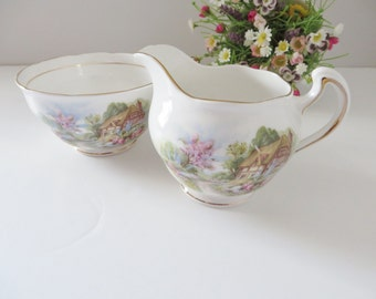 Royal vale vintage 1950's Creamer set,