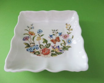 Aynsley vintage 1970's cottage garden square ring dish