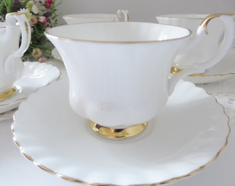 Royal Albert vintage 1980's Val D'or white and gold teacup set