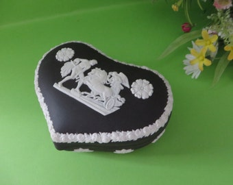 Wedgwood Jasperware black 1980's trinket box