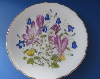 Royal Albert vintage 1990's Meadowland Crocuses collectible plate